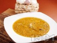 Рецепта Гъбена чорба / супа с манатарки, картофи, топено сирене и чесън